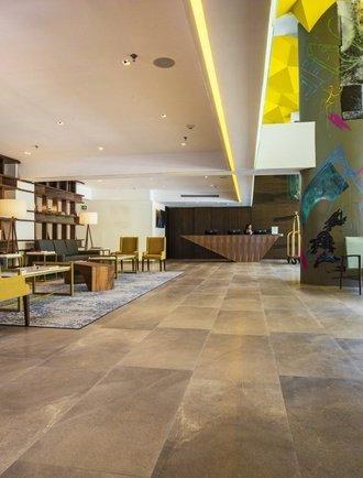 Recepción Hotel Krystal Urban Guadalajara Guadalajara